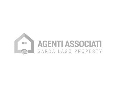 Cose La Camera Da Letto Padronale : Zweifamilienhaus padenghe sul garda